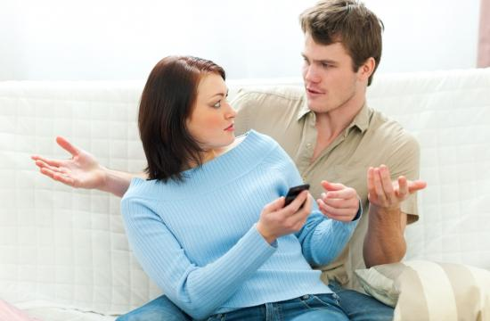Blogger opfordrer folk til at tjekke partnerens mobil