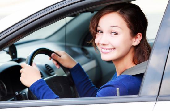 6 nye regler: Snart kan 17-årige køre i bil