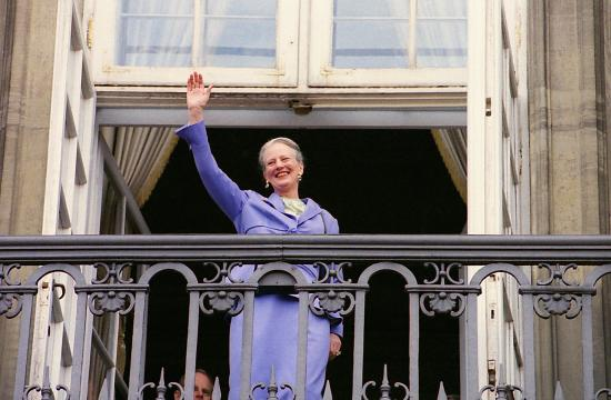 Dronningen forladt af prins Henrik
