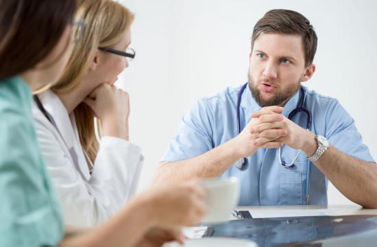 Læger gør grin med patienter