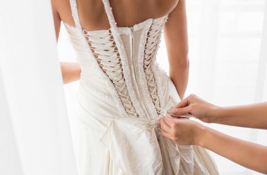 Politiker kom til royal taffel i sin brudekjole